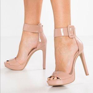 985c3a813bf Steve Madden Shoes - NIB Size 7 Steve Madden Circuit Sandal
